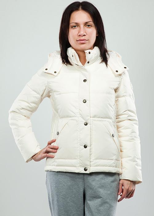 Куртка женская. WPWJK073WPWJK073Элегантная женская куртка Roxy подчеркнет вашу индивидуальность. Куртка изготовлена из высококачественного материала и утеплена синтепоном. Модель с воротником-стойкой застегивается на пластиковую застежку-молнию и дополнительно имеет ветрозащитный клапан на кнопках. Спереди куртка дополнена двумя накладными карманами на кнопках, также у куртки есть капюшон, который при желании можно отстегнуть. Имеется внутренний прорезной кармашек. Подчеркните свой изысканный вкус этой превосходной курткой.