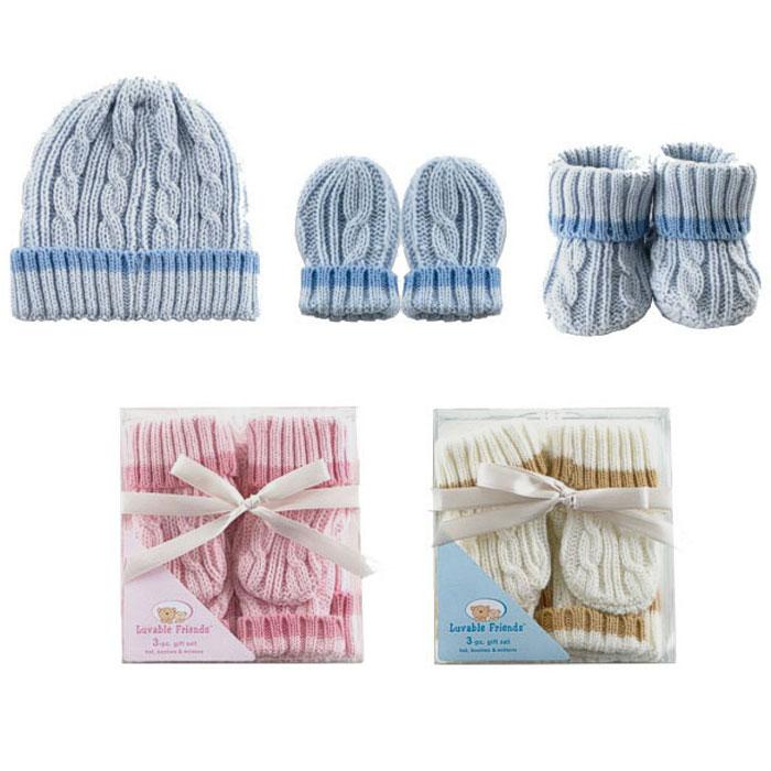 Подарочный комплект для новорожденного: шапочка, рукавички, пинетки. 0709707097Вязаный комплект для новорожденного Luvable Friends - это замечательный подарок, который прекрасно подойдет для первых дней жизни малыша. Комплект состоит из шапочки, рукавичек и пинеток. Изготовленный из акрила, он необычайно мягкий и приятный на ощупь, хорошо сохраняет тепло, не сковывает движения малыша и позволяет коже дышать, не раздражает даже самую нежную и чувствительную кожу ребенка, обеспечивая ему наибольший комфорт. Мягкая шапочка с отворотом, необходимая любому младенцу, защищает еще не заросший родничок, щадит чувствительный слух малыша, прикрывая ушки, и предохраняет от теплопотерь. С рукавичками и пинетками ручки и ножки вашего малыша всегда будут в тепле. В таком комплекте ваш малыш будет чувствовать себя комфортно, уютно и всегда будет в центре внимания! Все предметы комплекта упакованы в подарочную коробку, перевязанную атласной ленточкой. Идеально подходит в качестве подарка для малыша!