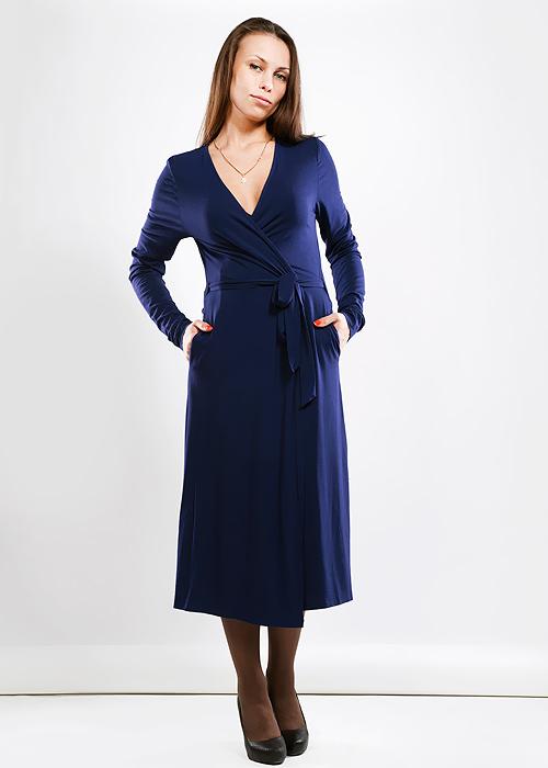Платье. LVLCLVLCВеликолепное платье Fever, изготовленное из высококачественного материала, очень мягкое на ощупь, не раздражает даже самую нежную и чувствительную кожу, обеспечивая наибольший комфорт. Модель с запахом с длинными рукавами и V-образным вырезом горловины. На талии завязывается поясом. Платье дополнено двумя боковыми карманами. В таком наряде вы безусловно привлечете восхищенные взгляды окружающих.