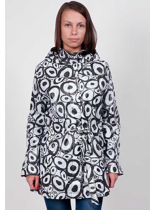 Giovanna2-8/1Стильная женская куртка Hamilton подчеркнет вашу индивидуальность и защитит от переменчивой погоды. Куртка изготовлена из 100% хлопка. Модель с капюшоном и воротником-стойкой застегивается на застежку-молнию и дополнительно имеет ветрозащитный клапан на кнопках. Спереди куртка дополнена двумя прорезными карманами и ремешком, который подчеркнет вашу талию. Капюшон регулируется с помощью эластичного шнура. Внутри куртки имеется не пришитый дополнительный карман-сумочка на молнии. Куртка отлично подойдет для вашего демисезонного гардероба и сможет дополнить повседневный образ.