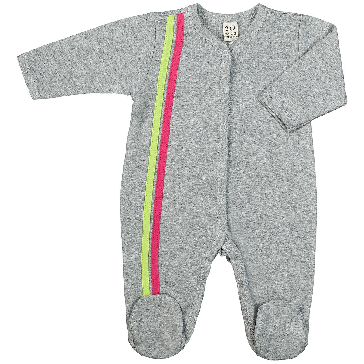 1-1Детский комбинезон Lucky Child - очень удобный и практичный вид одежды для малышей. Комбинезон выполнен из интерлока - натурального хлопка, благодаря чему он необычайно мягкий и приятный на ощупь, не раздражают нежную кожу ребенка и хорошо вентилируются, а эластичные швы приятны телу малыша и не препятствуют его движениям. Комбинезон с длинными рукавами и закрытыми ножками имеет застежки-кнопки от горловины до щиколоток, которые помогают легко переодеть младенца или сменить подгузник. Отделкой служат лампасы контрастного цвета по боковому шву. С детским комбинезоном Lucky Child спинка и ножки вашего малыша всегда будут в тепле, он идеален для использования днем и незаменим ночью. Комбинезон полностью соответствует особенностям жизни младенца в ранний период, не стесняя и не ограничивая его в движениях!