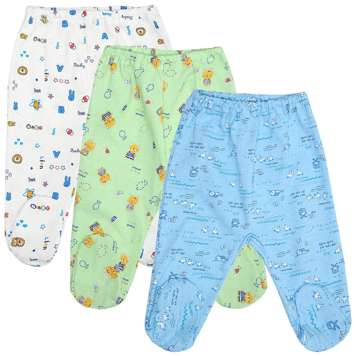 Комплект ползунков для мальчика, 3 шт. 10-506м10-506мКомплект Фреш Стайл состоит из трех ползунков для мальчика разных цветов с забавными рисунками. Ползунки - очень удобный и практичный вид одежды для малышей. Отлично сочетаются с футболками, кофточками и боди. Ползунки с закрытыми ножками выполнены из натурального хлопка, благодаря чему они необычайно мягкие и приятные на ощупь, не раздражают нежную кожу ребенка и хорошо вентилируются. Ползунки очень удобные, свободные, с мягкой резинкой на талии. Идеально подходят для ношения с подгузником и без него. Современный дизайн и яркая расцветка делают этот комплект оригинальным и стильным предметом детского гардероба. УВАЖАЕМЫЕ КЛИЕНТЫ! Обращаем ваше внимание на возможные изменения в дизайне, связанные с ассортиментом продукции: рисунок и цветовая гамма могут отличаться от представленного на изображении. Возможные варианты рисунков и цветов представлены на отдельном изображении фрагментом ткани.