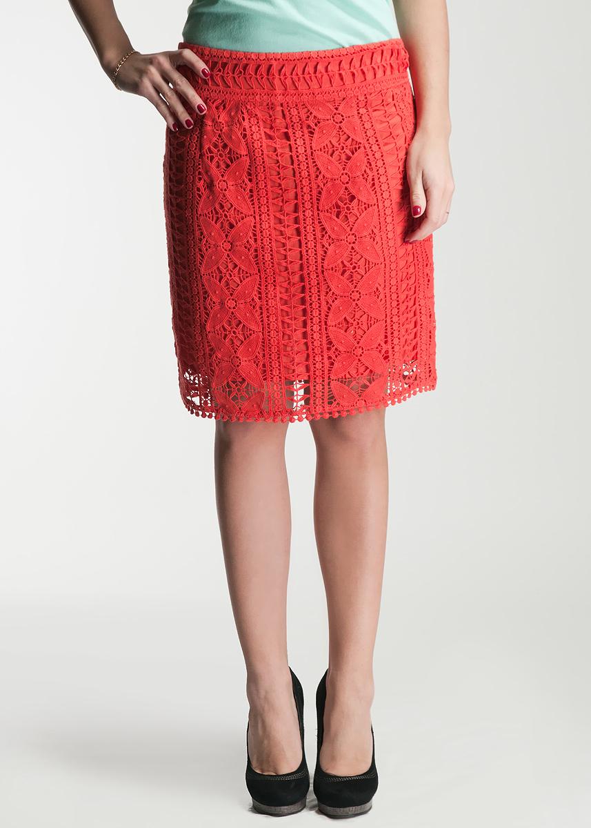Юбка. 4651-6904651-690Стильная юбка Malvin, изготовленная из высококачественного хлопка, не раздражает нежную и чувствительную кожу, обеспечивая наибольший комфорт. Модель с подъюбником оформлена кружевом и застегивается сзади на застежку-молнию. Такая юбка подчеркнет ваш безупречный вкус и высокий стиль.