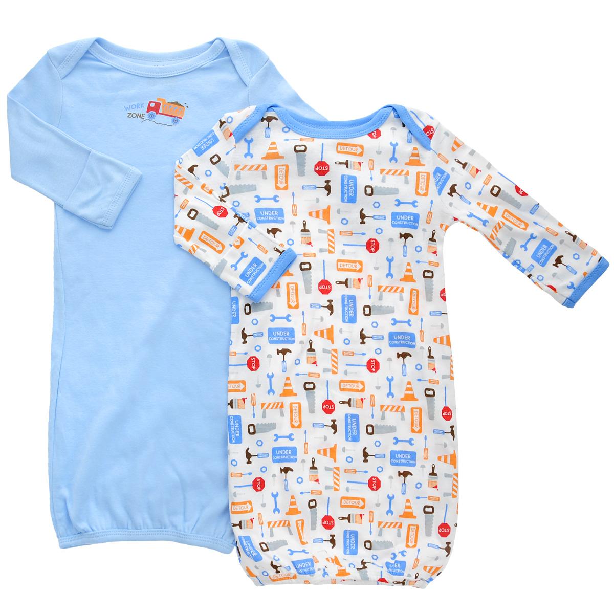 Ночная рубашка33010Детская ночная сорочка Luvable Friends с длинными рукавами послужит идеальным дополнением к гардеробу вашего малыша, обеспечивая ему наибольший комфорт во время сна. Сорочка изготовлена из натурального хлопка, благодаря чему она необычайно мягкая и легкая, не раздражает нежную кожу ребенка и хорошо вентилируется, а эластичные швы приятны телу младенца и не препятствуют его движениям. Удобные запахи на плечах помогают легко переодеть младенца, а широкое, растягивающееся отверстие снизу позволяет легко менять подгузник в случае необходимости. Рукава снизу дополнены антицарапками. Ночная сорочка полностью соответствует особенностям жизни ребенка в ранний период, не стесняя и не ограничивая его в движениях. В комплект входят две сорочки: одна - однотонного цвета, а другая оформлена оригинальным принтом.