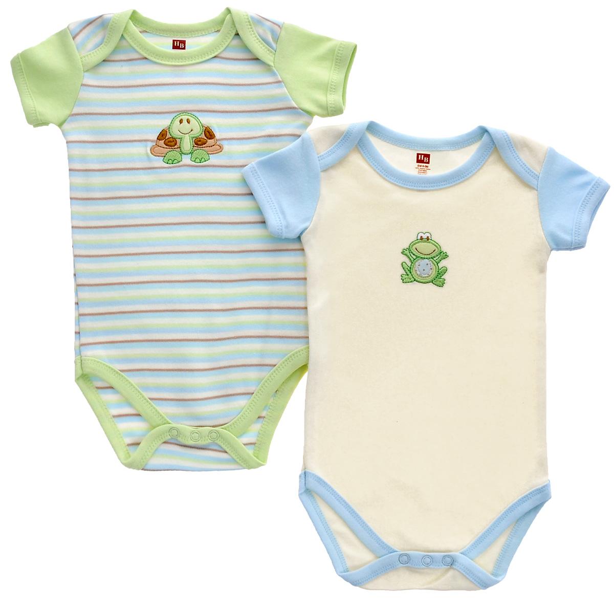 Боди детское Органик, 2 шт. 6804268042Боди для новорожденного Hudson Baby Органик послужит идеальным дополнением к гардеробу вашего малыша, обеспечивая ему наибольший комфорт. Изготовленное из натурального органического хлопка, оно необычайно мягкое и легкое, не раздражает нежную кожу ребенка и хорошо вентилируется, а эластичные швы приятны телу младенца и не препятствуют его движениям. Боди с короткими рукавами имеет специальные запахи на плечах и удобные застежки-кнопки на ластовице, которые помогают легко переодеть младенца и сменить подгузник. На груди оно оформлено оригинальной нашивкой. Боди полностью соответствует особенностям жизни ребенка в ранний период, не стесняя и не ограничивая его в движениях. В нем ваш малыш всегда будет в центре внимания. Линия Органик - для детей с очень чувствительной кожей. При производстве используются только натуральные красители и ткани. В комплект входя два боди с различными принтами.