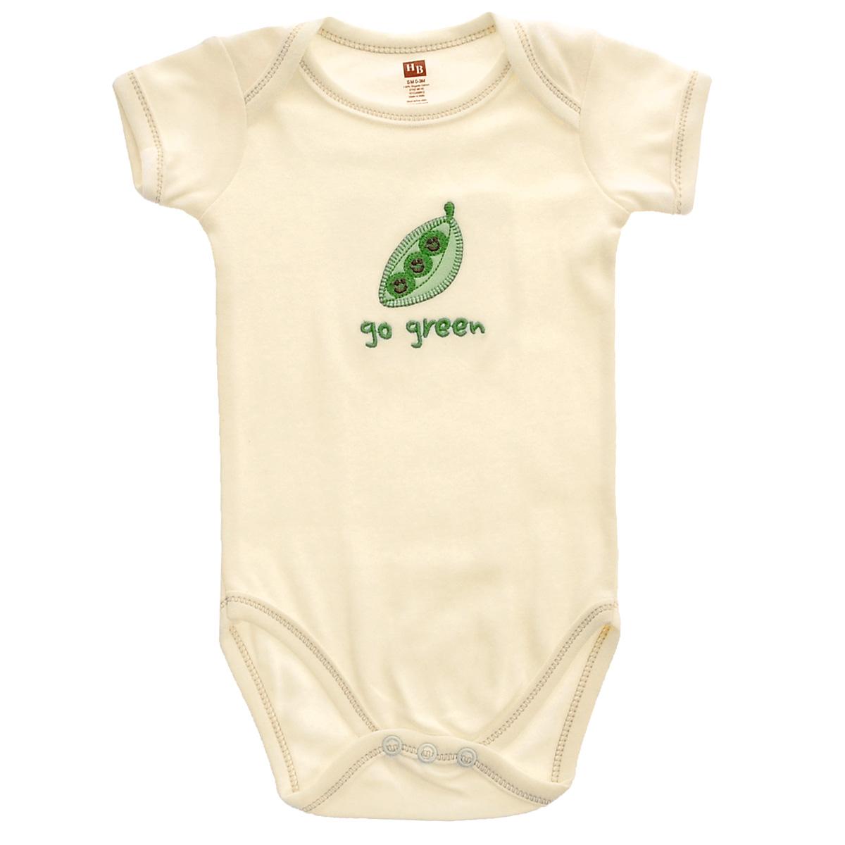 Боди детское Горошек. 6814568145Боди для новорожденного Hudson Baby Горошек послужит идеальным дополнением к гардеробу вашего малыша, обеспечивая ему наибольший комфорт. Изготовленное из натурального органического хлопка, оно необычайно мягкое и легкое, не раздражает нежную кожу ребенка и хорошо вентилируется, а эластичные швы приятны телу младенца и не препятствуют его движениям. Боди с короткими рукавами имеет специальные запахи на плечах и удобные застежки-кнопки на ластовице, которые помогают легко переодеть младенца и сменить подгузник. На груди оно оформлено оригинальной нашивкой в виде зеленого горошка. Боди полностью соответствует особенностям жизни ребенка в ранний период, не стесняя и не ограничивая его в движениях. В нем ваш малыш всегда будет в центре внимания. Линия Органик - для детей с очень чувствительной кожей. При производстве используются только натуральные красители и ткани.