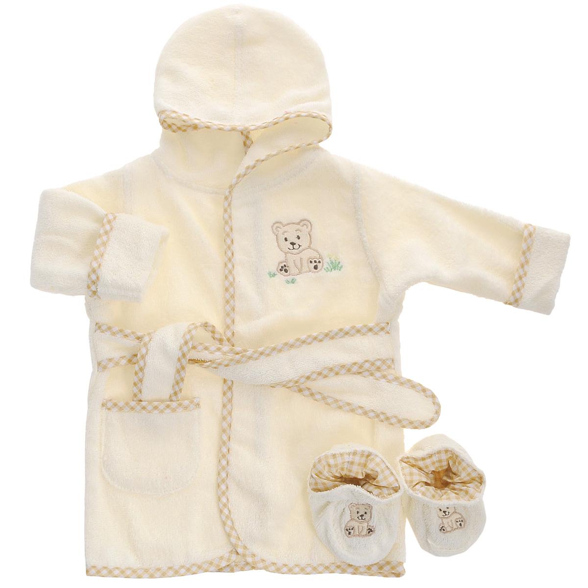 Комплект одеждыBR W001Прекрасный комплект для новорожденного Мишка из коллекции Spasilk состоит из банного халатика с капюшоном и пинеток. Махровая поверхность хорошо впитывает влагу, защищая малыша от переохлаждения. Халатик и пинетки оформлены веселыми вышивками с изображением мишек. Халат на талии дополнен широким пояском, а с боку имеется небольшой накладной кармашек. В таком комплекте вашему малышу будет тепло и уютно после купания.