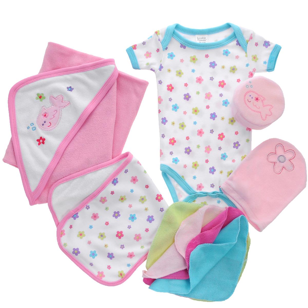 Комплект одежды07074Комплект для ванны для новорожденного Luvable Friends - это замечательный подарок, который прекрасно подойдет для первых дней жизни малыша. Комплект состоит из боди, полотенца с уголком, рукавички, мочалки, маленького полотенчика и четырех салфеток для мытья. Изготовленный из хлопка, он необычайно мягкий и приятный на ощупь, не сковывает движения малыша и позволяет коже дышать, не раздражает даже самую нежную и чувствительную кожу ребенка, обеспечивая ему наибольший комфорт. Удобное боди с круглым вырезом горловины и короткими рукавами имеет специальные запахи на плечах и кнопки на ластовице, что значительно облегчает процесс переодевания ребенка и смену подгузника. Махровое полотенце с уголком идеально подходит для ухода за ребенком после купания, так как позволяет полностью завернуть малыша и защитить его от простуды. Оно очень мягкое и приятное на ощупь, обладает легким массирующим эффектом, отлично впитывает влагу и быстро сохнет. Капюшон декорирован...
