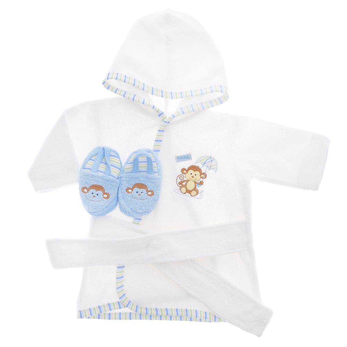 Комплект одежды05153Прекрасный комплект для новорожденного Luvable Friends состоит из банного халатика с капюшоном и тапочек-пинеток. Махровая поверхность хорошо впитывает влагу, защищая малыша от переохлаждения. Халатик и тапочки оформлены веселыми вышивками с изображением забавных животных. Халат на талии дополнен широким пояском, а тапочки эластичной перетяжкой, благодаря чему надежно держаться на ножке. В таком комплекте вашему малышу будет тепло и уютно после купания.