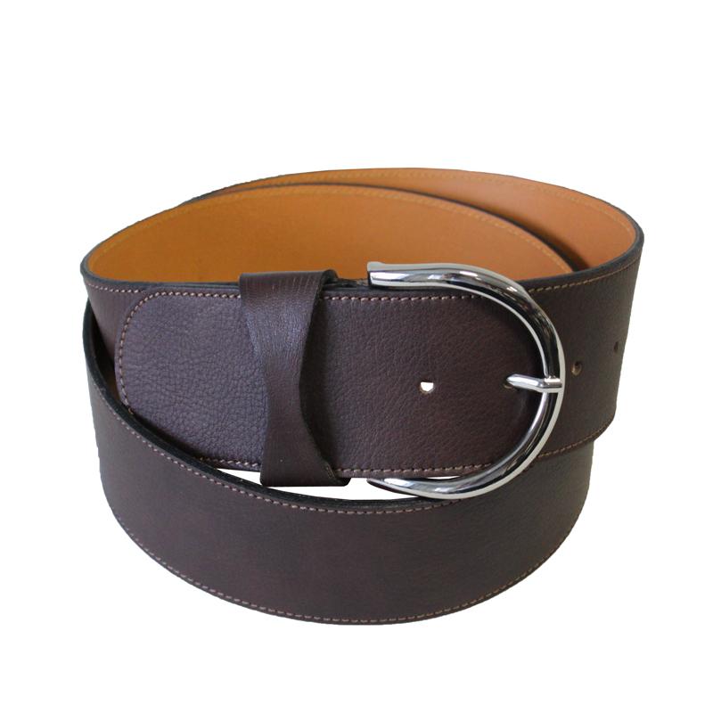 Ремень19369/60 CioccolatoСтильный широкий ремень, выполненный из натуральной кожи с отстрочкой, станет удачным дополнением вашего гардероба. Ремень застегивается на пряжку с зеркальной полировкой. Ремень - очень важная часть гардероба и к его выбору стоит относиться очень серьезно. Такой ремень дополнит ваш образ, стиль и статус.