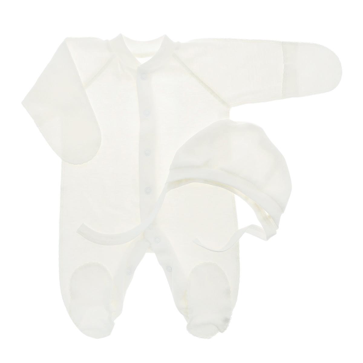 Комплект детский: комбинезон, чепчик. 37-523137-5231Комплект Фреш Стайл, состоящий из комбинезона и чепчика, идеально подойдет вашему ребенку. Изготовленный из 100% хлопка, он необычайно мягкий и легкий, приятный на ощупь, не раздражает нежную кожу ребенка и хорошо вентилируется. Комбинезон с воротником-стойкой, длинными рукавами-реглан и закрытыми ножками имеет удобные застежки-кнопки по всей длине и на ластовице, которые помогают легко переодеть ребенка или сменить подгузник. Комбинезон имеет рукавички, с помощью которых ручки могут быть открыты или спрятаны и ваш ребенок не поцарапает себя. Мягкий чепчик защищает еще не заросший родничок, щадит чувствительный слух малыша, а мягкая резиночка, не сдавливая голову малыша, прикрывает ушки и предохраняет от теплопотерь. Швы элементов комплекта выполнены наружу и отделаны красивой декоративной строчкой. Комплект полностью соответствует особенностям жизни малыша в ранний период, не стесняя и не ограничивая его в движениях.
