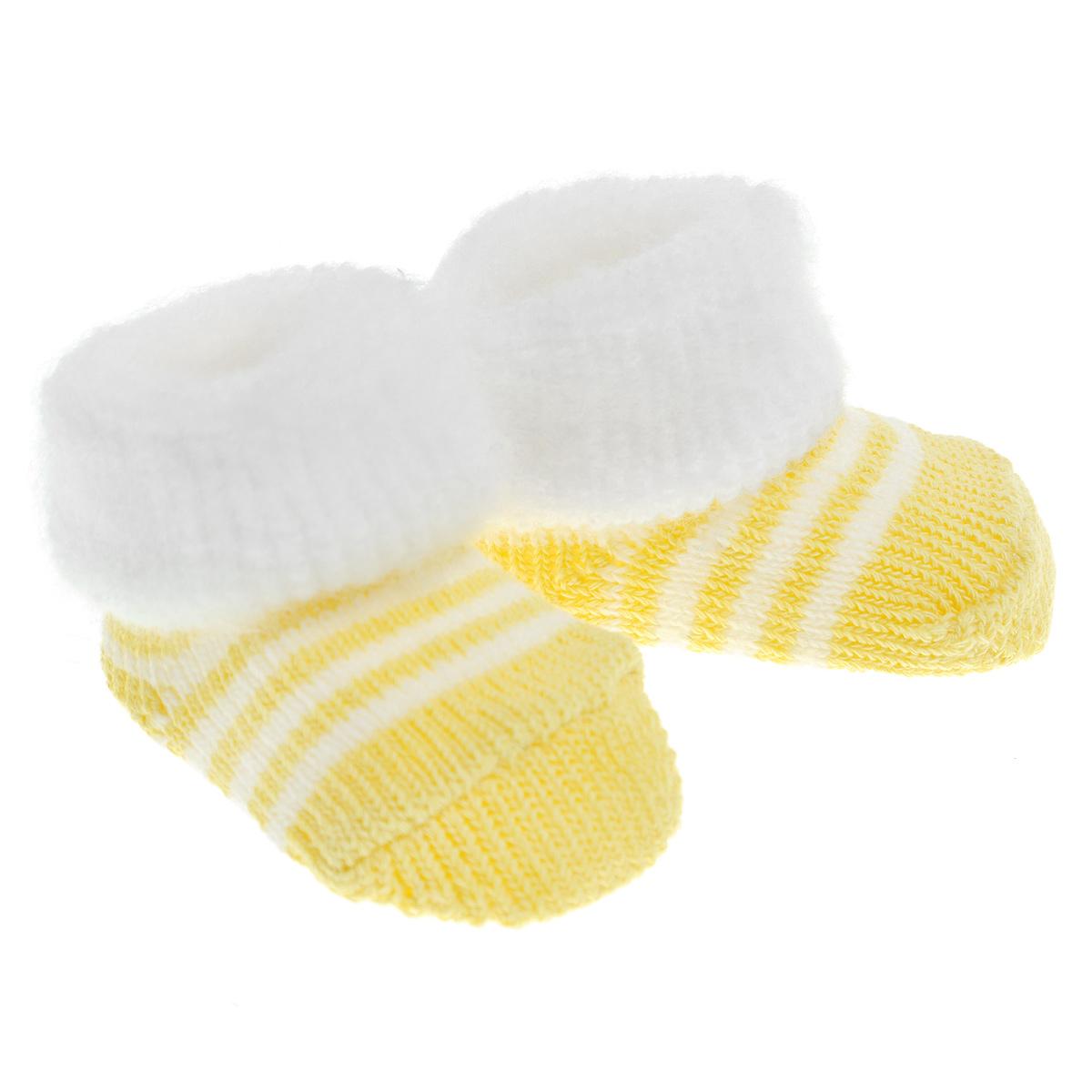 21020Комфортные, прочные и красивые детские носки Luvable Friend Boxed Fuzzy очень мягкие на ощупь, а эластичная резинка-отворот плотно облегает ножку ребенка, не сдавливая ее, благодаря чему малышу будет комфортно и удобно. Носочки хорошо тянутся, не деформируясь. Носочки упакованы в прозрачную подарочную коробочку.