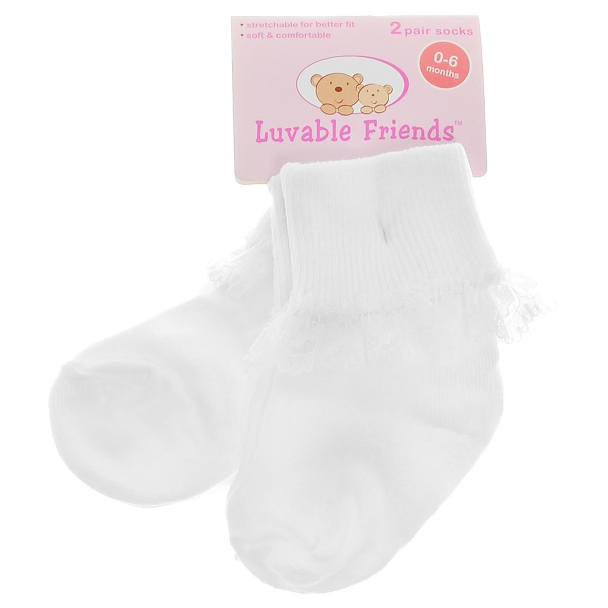 Носки для девочки, 2 пары. 0221602216Комфортные, прочные и красивые детские носки Luvable Friends для девочки очень мягкие на ощупь, отлично тянутся и удобно сидят на ножке малышки. А широкая резинка-отворот плотно облегает ножку ребенка, не сдавливая ее, благодаря чему вашей дочурке будет комфортно и удобно. Отвороты оформлены очаровательной кружевной отделкой. Нарядные и удобные, носочки подходят как для праздника, так и для повседневной носки. Комплект состоит из двух пар носочков.