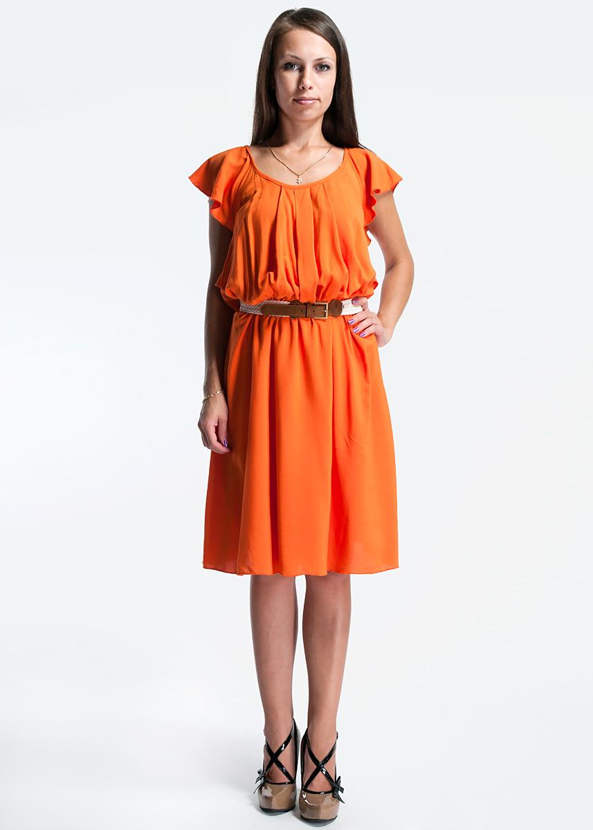 Платье. 1098710201810987102018Платье Корте Инглес. Очень удобное легкое городское платье прекрасно подойдет для повседневной носки в теплое время года. Изготовлено из плотной вискозной ткани, подкладка - из полиэстера. Благодаря особому крою, оно превратит свою обладательницу в нежное и грациозное создание. Воланы, образующие коротенькие рукава, перекрещиваются на спине. По круглой горловине заложены широкие складки. Талию перехватывает плетеный ремень с металлической пряжкой. Стильное платье сделает вас неотразимой и в будни, и в праздники.