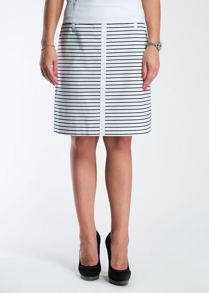 Юбка81.305.78.4118Стильная юбка Comma выполнена из плотного материала в тонкую полоску. Юбка сзади застегивается на потайную застежку-молнию. Элегантная юбка выгодно освежит и разнообразит любой гардероб. Создайте женственный образ и подчеркните свою яркую индивидуальность!