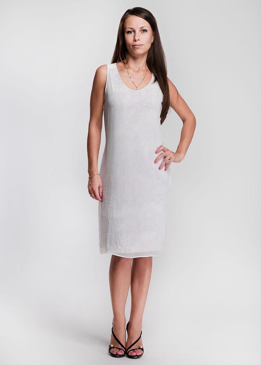 1335290420-85446Стильное обтягивающее платье с орнаментом, выполненное из струящегося материала, дополнено сверху свободным полупрозрачным слоем из полиэстера. Модель с круглым вырезом горловины без рукавов подчеркнет вашу женственность. В таком наряде вы, безусловно, привлечете восхищенные взгляды окружающих.