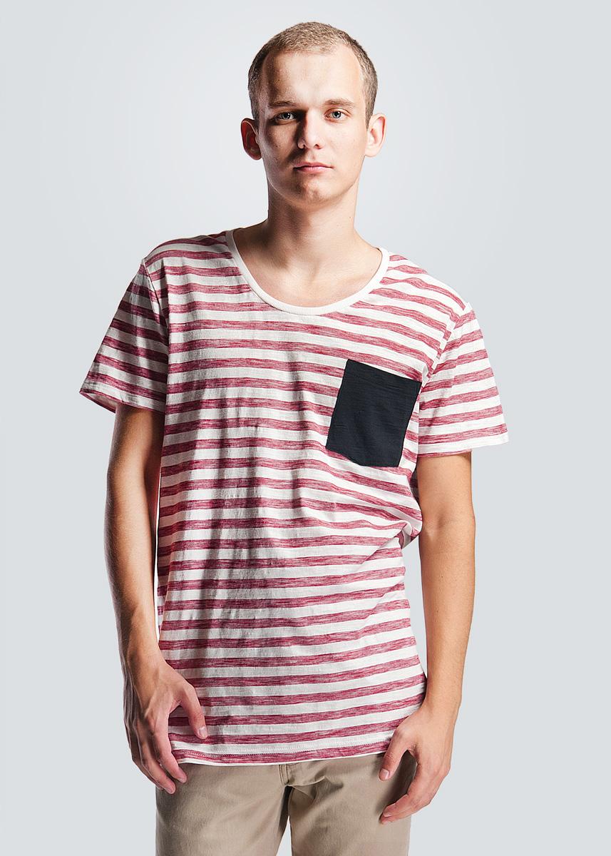 Футболка мужская. 2-451272-45127 NAVYСтильная мужская футболка SHINE, изготовленная из натурального хлопка, необычайно мягкая и приятная на ощупь, не сковывает движения и позволяет коже дышать, не раздражает даже самую нежную и чувствительную кожу, обеспечивая наибольший комфорт. Модная футболка, прямого кроя с круглым вырезом горловины, с четырьмя пуговицами спереди и короткими рукавами. Модель оформлена контрастной полоской. Эта футболка идеальный вариант как для повседневного, так и для вечернего гардероба. Такая модель порадует настоящих ценителей комфорта и практичности!