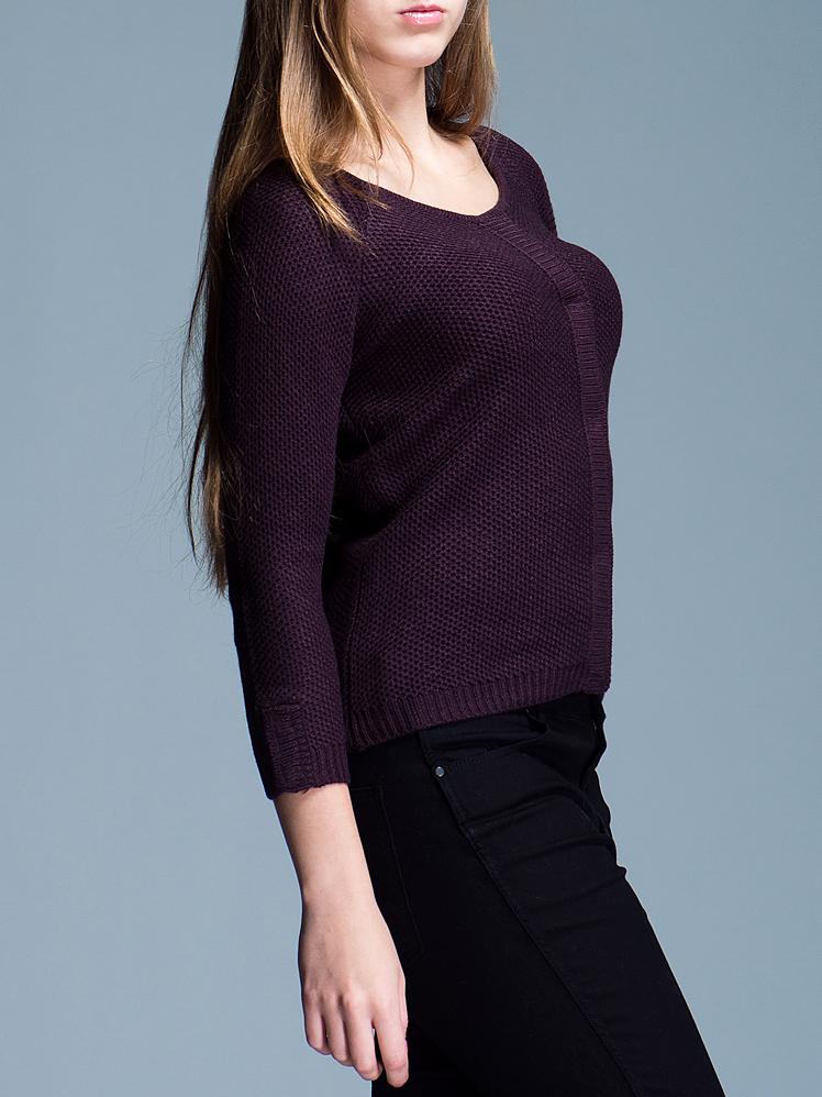 Пуловер женский. 322410-5850322410-5850Стильный женский пуловер Ichi не сковывает движения, обеспечивая наибольший комфорт. Модель прямого кроя с круглым вырезом горловины и рукавами-реглан длины 3/4 застегивается спереди на кнопки по всей длине изделия. Этот модный вязаный пуловер послужит отличным дополнением к вашему гардеробу, он станет главной составляющей вашего стиля. В нем вы всегда будете чувствовать себя уютно и комфортно.