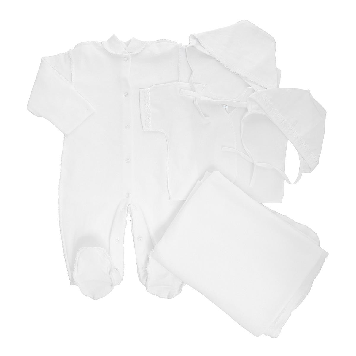 Комплект для новорожденного, 5 предметов. 34743474Комплект для новорожденного Трон-плюс - это замечательный подарок, который прекрасно подойдет для первых дней жизни малыша. Комплект состоит из комбинезона, распашонки, двух чепчиков и пеленки. Комплект изготовлен из натурального хлопка, благодаря чему он необычайно мягкий и приятный на ощупь, не сковывает движения младенца и позволяет коже дышать, не раздражает даже самую нежную и чувствительную кожу ребенка, обеспечивая ему наибольший комфорт. Легкая распашонка с короткими рукавами выполнена швами наружу. Рукава декорированы ажурными рюшами. Теплый комбинезон с небольшим воротничком-стойкой, длинными рукавами и закрытыми ножками идеально подойдет вашему ребенку, обеспечивая ему наибольший комфорт. Комбинезон застегивает на кнопочки по всей длине и на ластовице, что помогает с легкостью переодеть ребенка или сметить подгузник. Рукавички обеспечат вашему малышу комфорт во время сна и бодрствования, предохраняя нежную кожу новорожденного от расцарапывания. Комбинезон...
