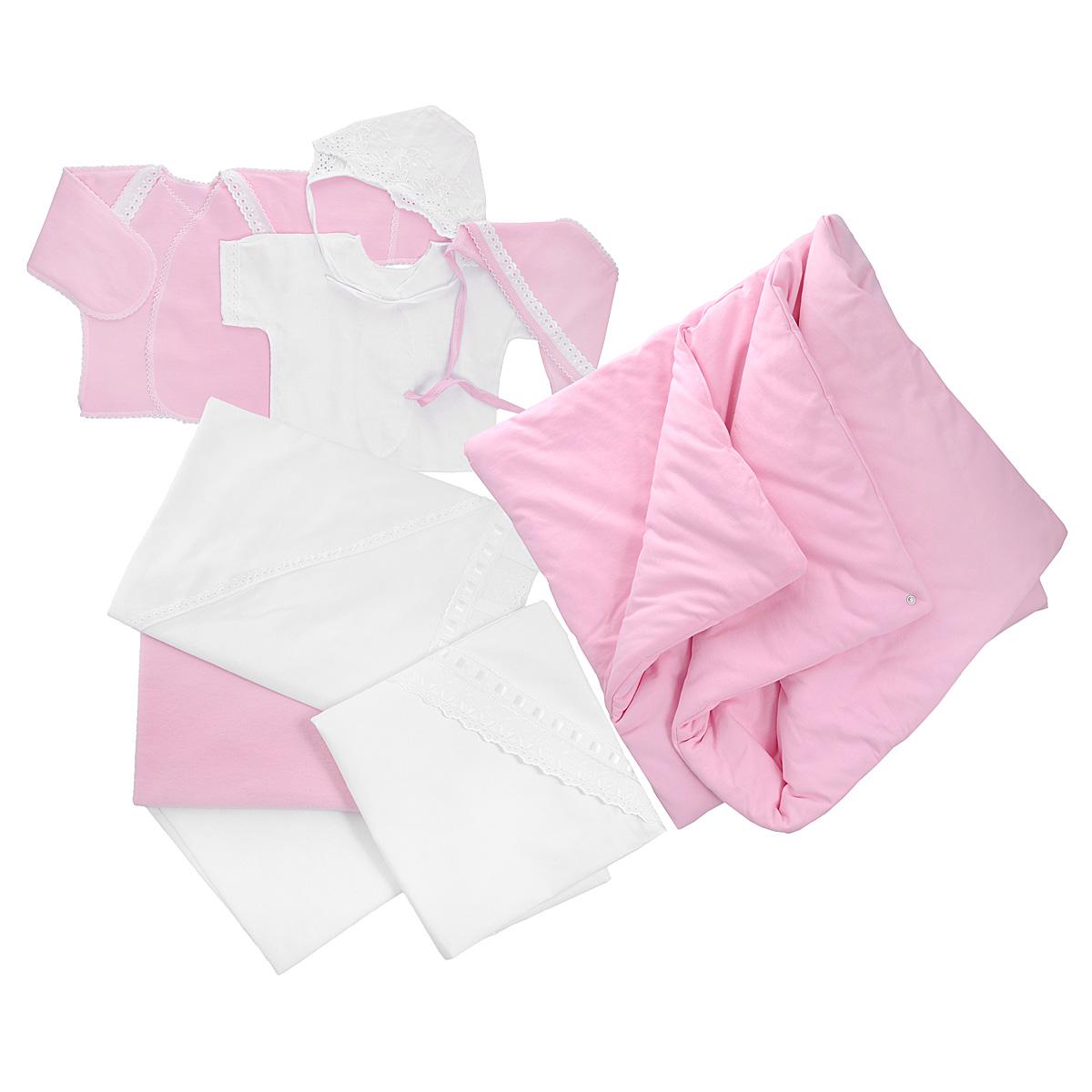 Комплект одежды3476Комплект для новорожденного Трон-плюс - это замечательный подарок, который прекрасно подойдет для первых дней жизни ребенка. Комплект состоит из двух распашонок, двух чепчиков, уголка, двух пеленок, пододеяльника и одеяла. Комплект изготовлен из натурального хлопка, благодаря чему он необычайно мягкий и приятный на ощупь, не сковывает движения младенца и позволяет коже дышать, не раздражает даже самую нежную и чувствительную кожу ребенка, обеспечивая ему наибольший комфорт. Легкая распашонка с короткими рукавами выполнена швами наружу. Изделие украшено вышивкой, а рукава декорированы ажурными рюшами и петельками. Теплая распашонка с запахом выполнена швами наружу. Декорирована распашонка ажурными рюшами. А благодаря рукавичкам ребенок не поцарапает себя. Ручки могут быть как открытыми, так и закрытыми. Чепчик защищает еще не заросший родничок, щадит чувствительный слух малыша, прикрывая ушки, и предохраняет от теплопотерь. Комплект содержит два чепчика: один -...