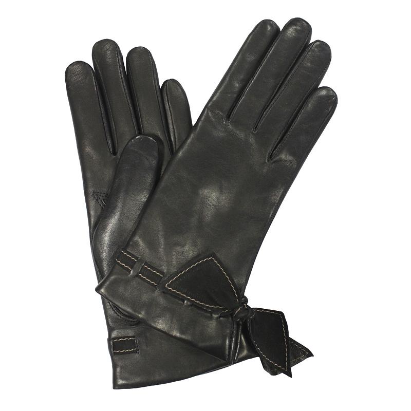 Перчатки женские модель 431. Э-21L на шерстиЭ-21L_431Стильные женские перчатки Edmins не только защитят ваши руки от холода, но и станут великолепным украшением. Перчатки выполнены из натуральной кожи ягненка, подкладка - из шерсти. Манжеты оформлены шнуровкой и бантами из мягкой замши. В настоящее время перчатки являются неотъемлемой принадлежностью одежды, вместе с этим аксессуаром вы обретаете женственность и элегантность. Перчатки станут завершающим и подчеркивающим элементом вашего стиля и неповторимости.