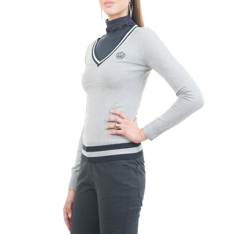 Джемпер женский. JR-301/13-3302JR-301/13-3302Стильный женский джемпер SELA, выполненный из высококачественного материала, будет отлично на вас смотреться. Модель облегающего кроя с длинными рукавами и V-образным воротником согреет вас в прохладную погоду. Низ изделия, манжеты и горловина выполнены вязкой «резинка». Классический покрой, лаконичный дизайн, безукоризненное качество. Идеальный вариант для тех, кто ценит комфорт и качество.