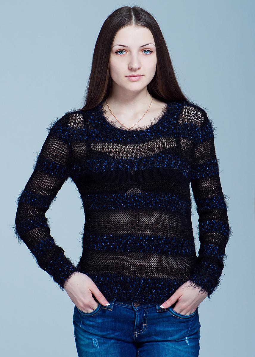 Пуловер женский. 1009601910096019Стильный женский пуловер Y.A.S., мягкий и приятный на ощупь, не сковывает движения, обеспечивая наибольший комфорт. Комфортный пуловер с круглым вырезом горловины имеет длинные рукава. Этот пуловер - практичная вещь, которая, несомненно, впишется в ваш гардероб, в нем вы будете чувствовать себя уютно и комфортно.