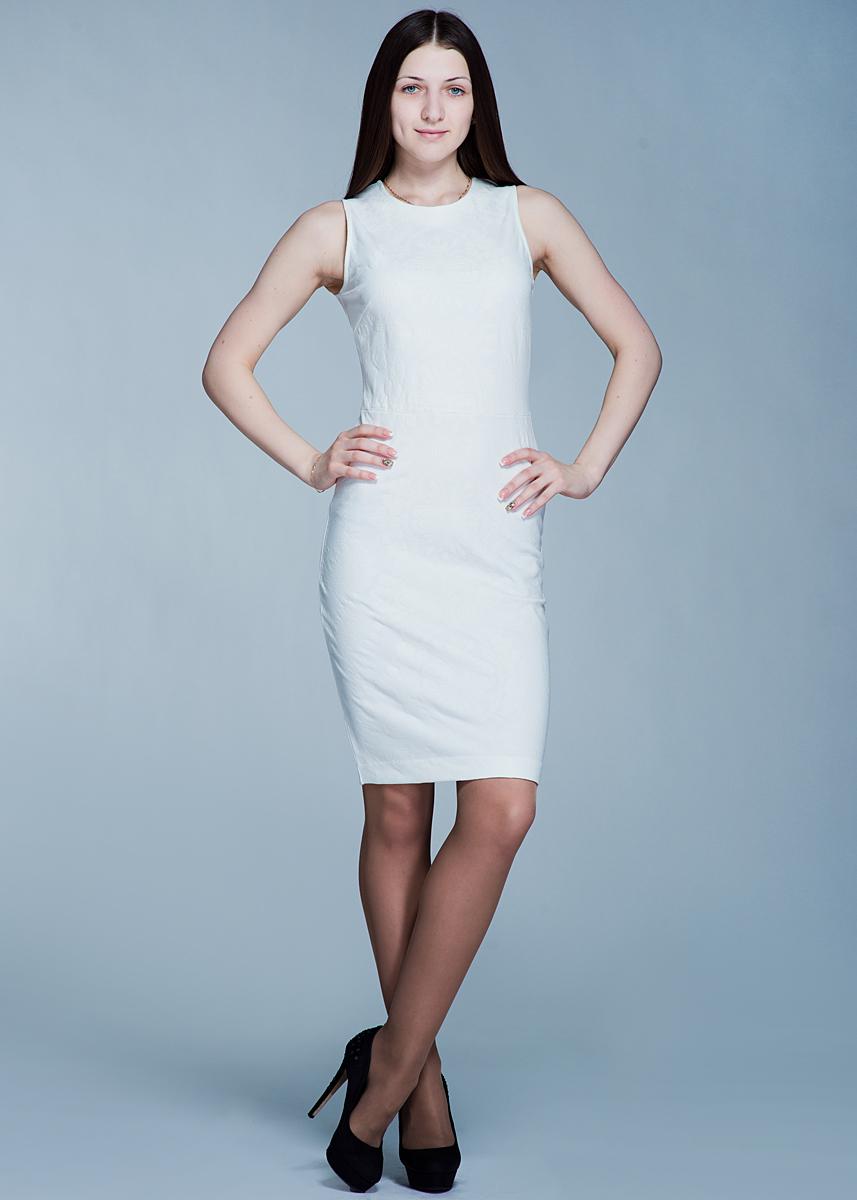 Платье. Dksl-117/048-412Dksl-117/048-412Стильное обтягивающее платье SELA, изготовленное из высококачественного материала, очень мягкое на ощупь, не раздражает даже самую нежную и чувствительную кожу и хорошо вентилируется. Модель с круглым вырезом горловины без рукавов, на спинке застегивается на потайную молнию. Платье оформлено набивным рисунком. В таком наряде вы, безусловно, привлечете восхищенные взгляды окружающих.