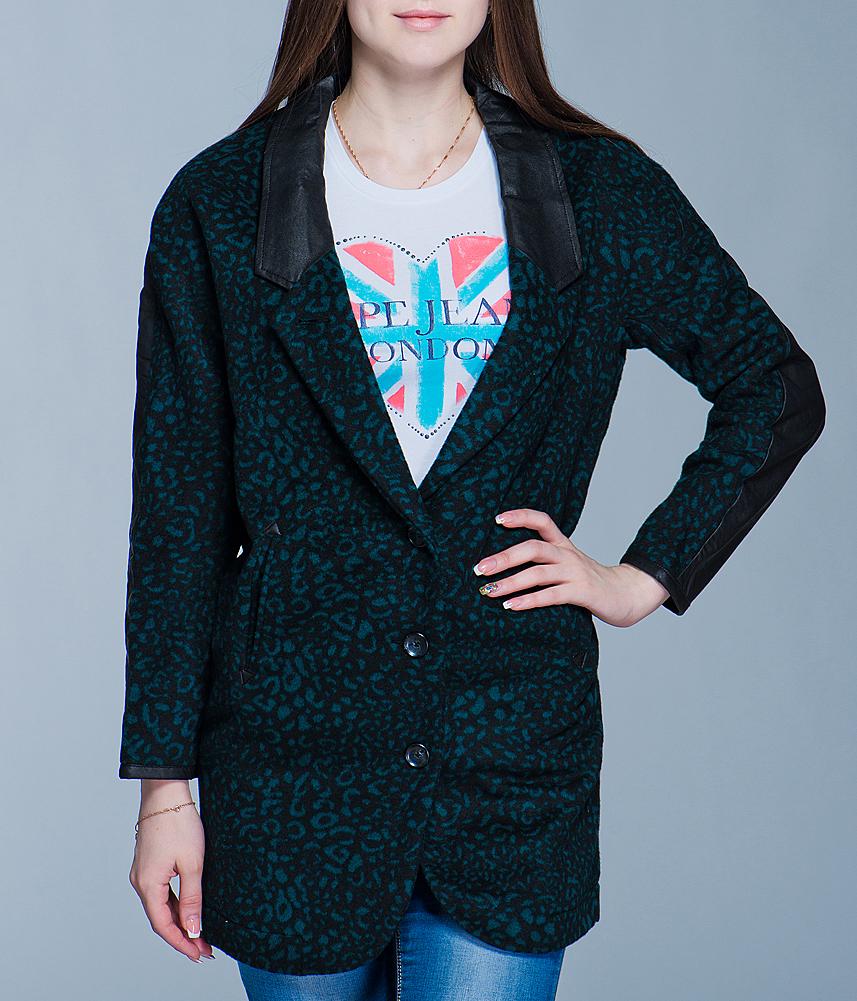 ПальтоI305D29V.55E32Стильное женское пальто Diesel выполнено из высококачественного материала, рассчитано на прохладную погоду. Оно поможет вам почувствовать себя максимально комфортно и стильно. Модель свободного кроя с длинными рукавами застегивается на три пуговицы. Пальто дополнено двумя втачными карманами. В этом пальто вам будет комфортно. Модная фактура ткани, отличное качество, великолепный дизайн.