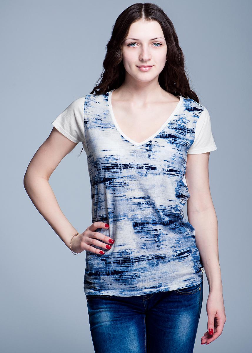 ФутболкаL40DAU05Стильная женская футболка Lee V Neck Tee, выполненная из высококачественного материала, - находка для современной женщины, желающей выглядеть стильно. Модель прямого кроя с удобным V-образным вырезом горловины и короткими рукавами, оформлена оригинальным принтом. Такая футболка, несомненно, вам понравится и послужит отличным дополнением к вашему гардеробу.