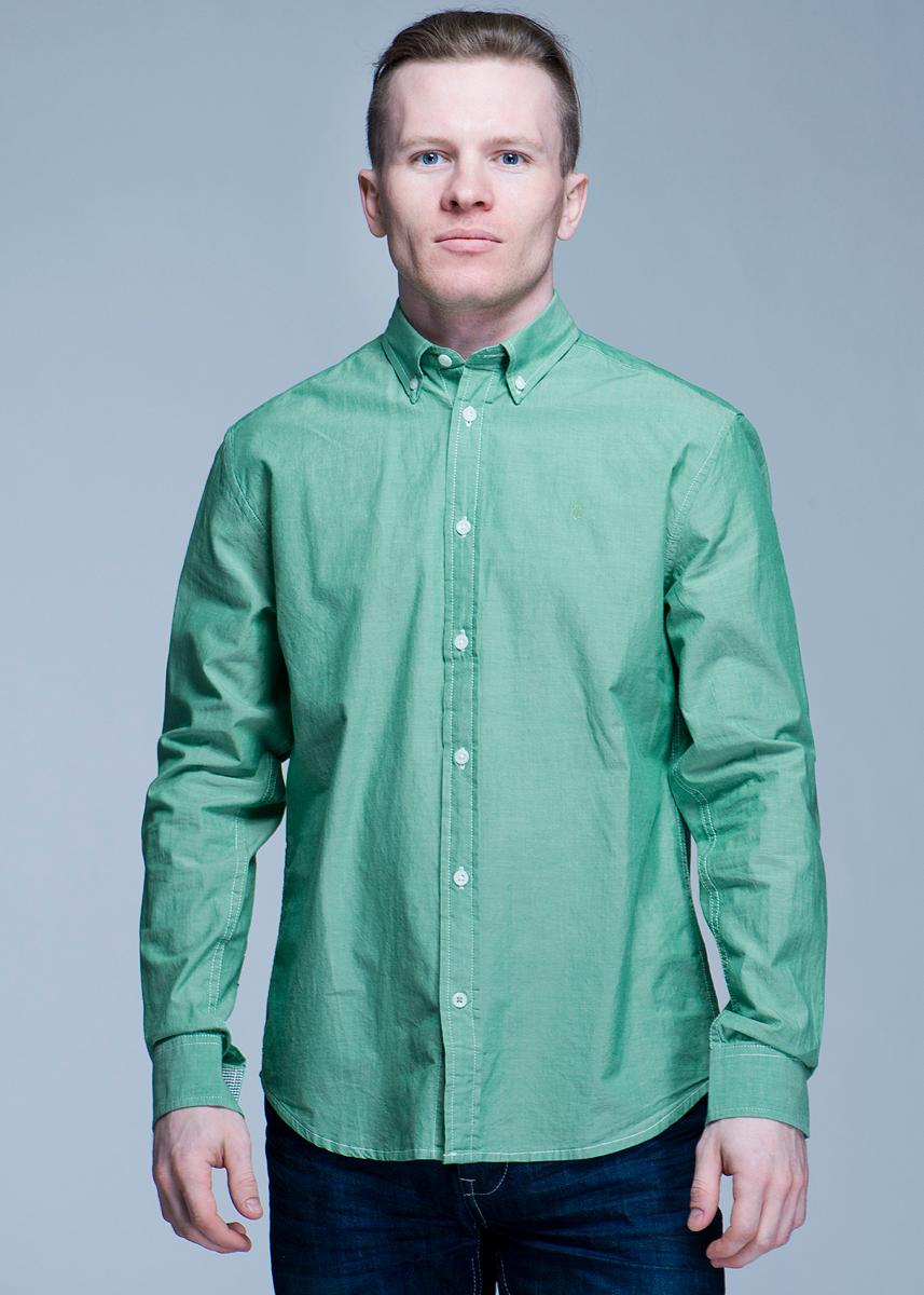 Рубашка мужская L/S Button-Down. W576W57651NJVОтличная рубашка с длинными рукавами, отложным воротником и застежкой на кнопки. Рубашка оформлена ярким клетчатым принтом. Рубашка, выполненная из хлопка, обладает высокой теплопроводностью, воздухопроницаемостью и гигроскопичностью, позволяет коже дышать, тем самым обеспечивая наибольший комфорт при носке даже самым жарким летом. Такая рубашка будет дарить вам комфорт в течение всего дня и послужит замечательным дополнением к вашему гардеробу.