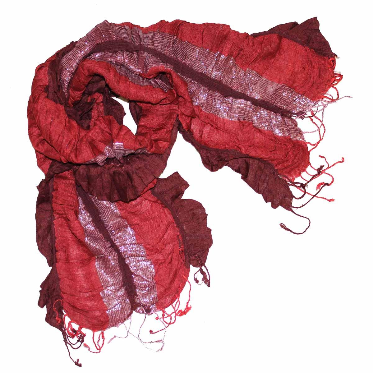 Шарф95075Элегантный шарф из вискозы станет изысканным нарядным аксессуаром, который призван подчеркнуть индивидуальность и очарование женщины. Шарф жатой фактуры с люрексом, по краям декорирован кистями. Этот модный аксессуар женского гардероба гармонично дополнит образ современной женщины, следящей за своим имиджем и стремящейся всегда оставаться стильной и элегантной. В этом шарфе вы всегда будете выглядеть женственной и привлекательной.