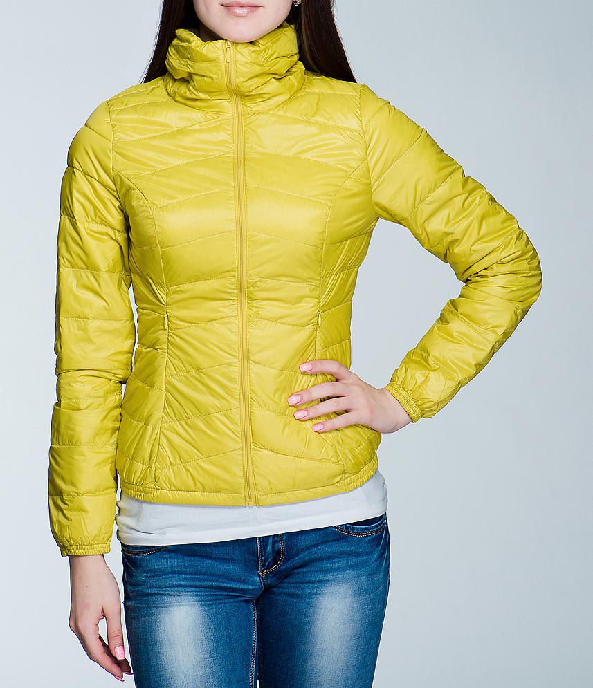 Куртка10150234Женская куртка Broadway отлично подойдет для прохладной погоды. Модель прямого кроя, с высоким воротником-стойкой застегивается на молнию. Утеплитель выполнен из натурального пуха и пера. Куртка оформлена двумя боковыми карманами на застежках-молниях и имеет два глубоких внутренних кармана. Низ и манжеты собраны на резинку, что исключает продувание. Эта модная куртка послужит отличным дополнением к вашему гардеробу! В комплекте чехол для хранения куртки.