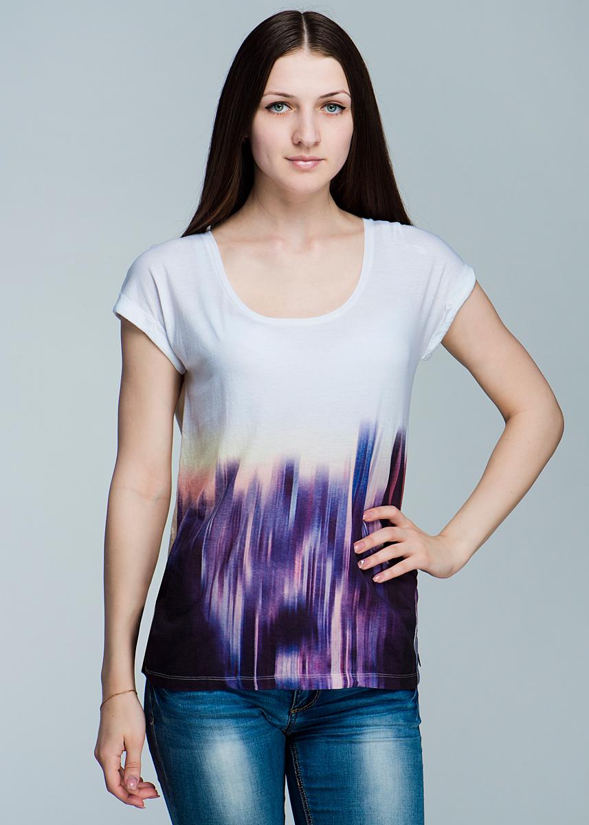 L40NAUAWСтильная женская футболка Lee Graphic, выполненная из высококачественного материала, - находка для современной женщины, желающей выглядеть стильно и модно. Модель свободного кроя, с короткими рукавами и круглым вырезом горловины будет отлично на вас смотреться. Такая модель, несомненно, вам понравится и послужит отличным дополнением к вашему гардеробу.