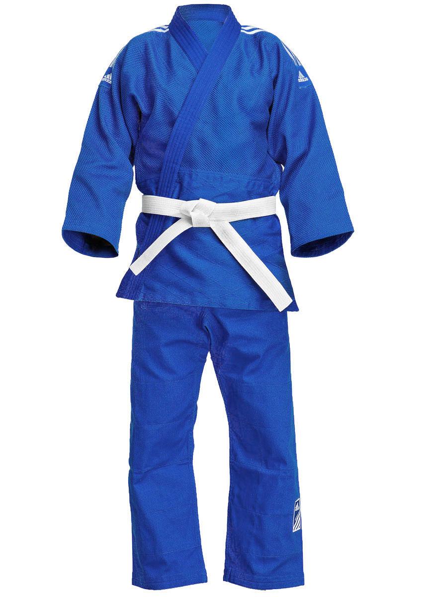 J650BКимоно для дзюдо adidas Contest состоит из рубашки и брюк. Просторная рубашка с запахом, боковыми разрезами и длинными рукавами-кимоно изготовлена из плотного хлопка с добавлением полиэстера с перекрестным плетением. Боковые швы, края рукавов и полочек, низ рубашки укреплены дополнительными строчками и крепкой лентой с внутренней стороны. Рубашка также укреплена по вертикали спины и в области талии. Просторные брюки особого покроя на поясе со шнурком для фиксации брюк на талии имеют шлевки для дополнительного пояса и укреплены на коленях. Кимоно рекомендуется для тренировок в зале.