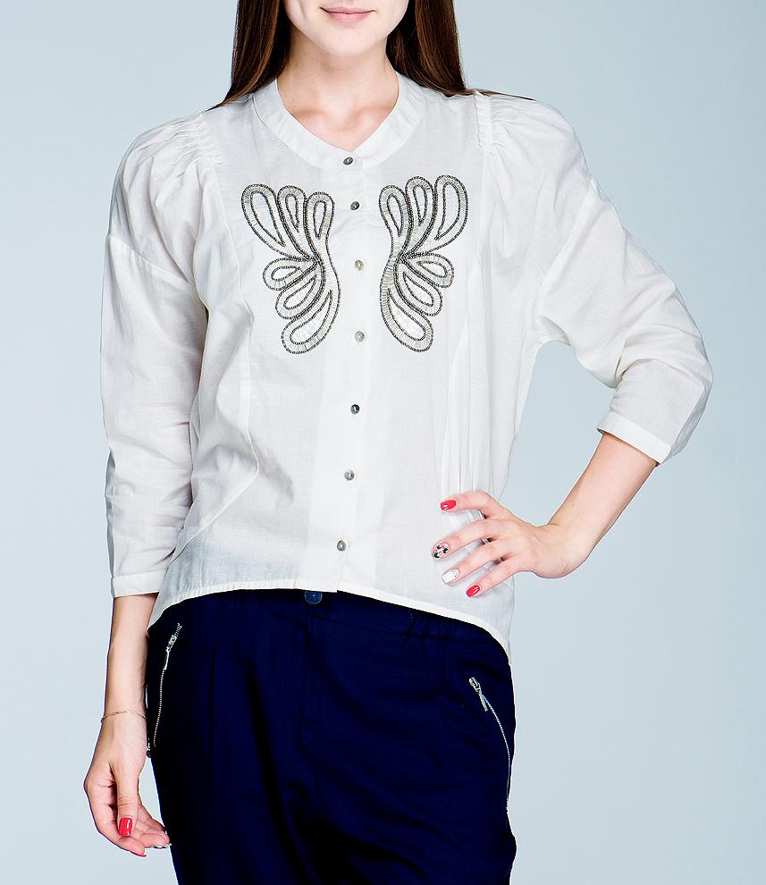 Блуза женская. 4.61.729.024.61.729.02Стильная блуза Van-Dos, изготовленная из натурального хлопка, подарит вам комфорт. Модель с рукавами 3/4 и круглым воротничком застегивается на пуговицы по всей длине. Манжеты также застегиваются на пуговицы. Блуза оформлена оригинальной вышивкой из пайеток, бисера и стекляруса. В таком наряде вы, безусловно, привлечете восхищенные взгляды окружающих.