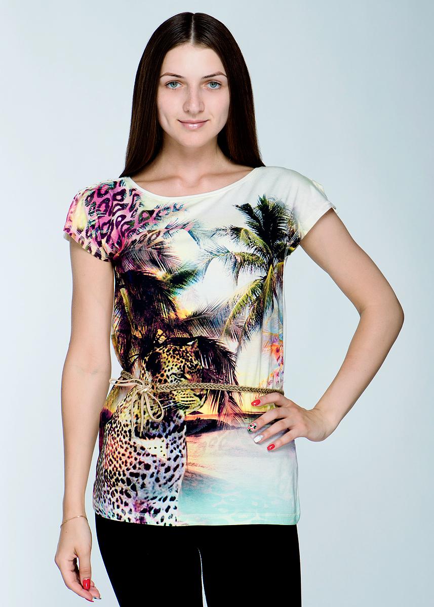 Футболка2464Т19Великолепная женская футболка Viriato, изготовленная из эластичной вискозы с добавлением хлопка, необычайно мягкая и приятная на ощупь, не сковывает движения, обеспечивая наибольший комфорт. Футболка свободного кроя с короткими цельнокроеными рукавами и круглым вырезом горловины спереди оформлена принтом с изображением пальм и леопарда. Рукава на плечах дополнены небольшими разрезами и декоративной шнуровкой. На талии модель дополнена тонким плетеным пояском. Эта футболка очень женственна и элегантна, дополнит любой ваш образ.