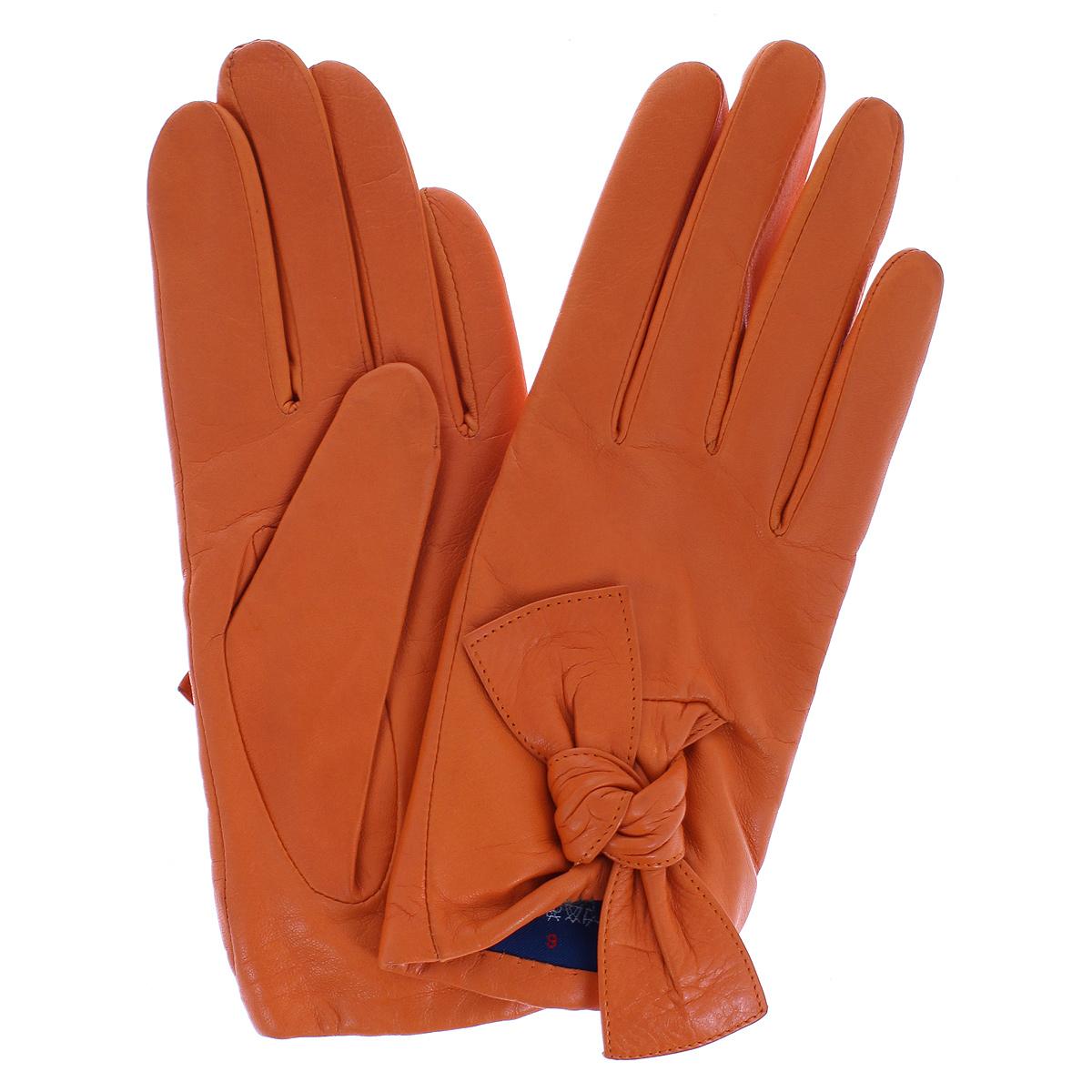 Перчатки11_HETAIRE/BL//11Стильные перчатки Dali Exclusive с подкладкой из шерсти выполнены из мягкой и приятной на ощупь натуральной кожи ягненка. С лицевой стороны манжеты оформлены декоративными узелками. Такие перчатки подчеркнут ваш стиль и неповторимость и придадут всему образу нотки женственности и элегантности.
