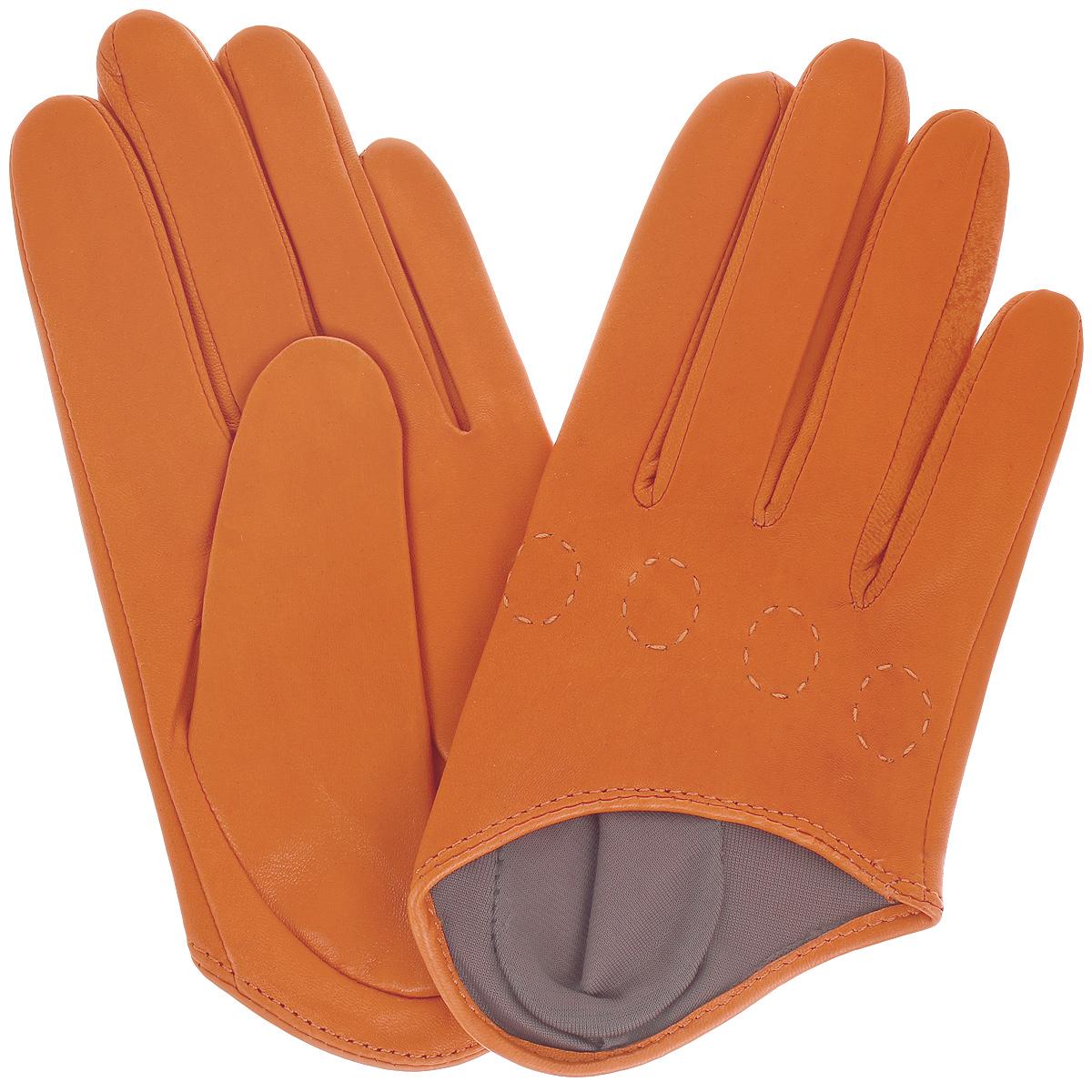 Перчатки женские. K81-IF1K81-IF1/BEСтильные перчатки Michel Katana с шелковой подкладкой выполнены из мягкой и приятной на ощупь натуральной кожи ягненка. Перчатки станут достойным элементом вашего стиля и сохранят тепло ваших рук. Это не просто модный аксессуар, но и уникальный авторский стиль, наполненный духом севера Франции.
