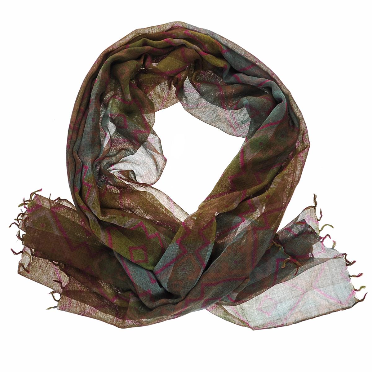 Палантин. ZW-BARFIZW-BARFI/BR.PEACHСтильный палантин Michel Katana согреет в холодное время года, а также станет изысканным аксессуаром, который призван подчеркнуть вашу индивидуальность и стиль. Палантин выполнен из шерсти и декорирован оригинальным орнаментом. По краям изделие оформлено кистями.
