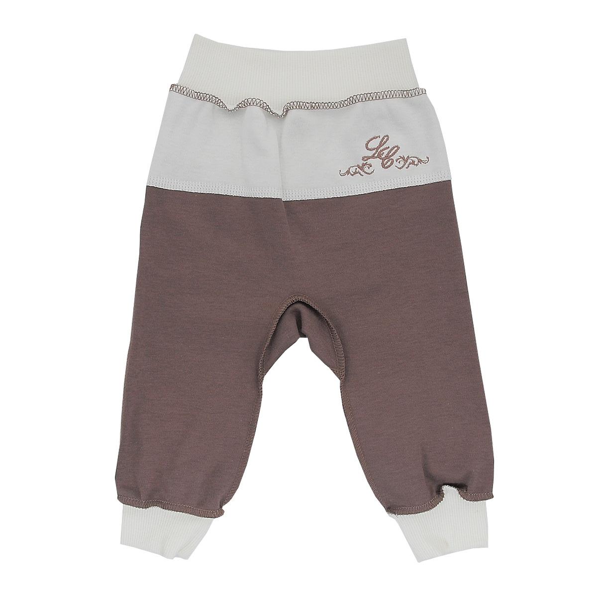 20-11Стильные брюки для мальчика Lucky Child станут прекрасным дополнением к гардеробу вашего малыша. Изготовленные из натурального хлопка, они необычайно мягкие и приятные на ощупь, не сковывают движения ребенка и позволяют коже дышать, не раздражают даже самую нежную и чувствительную кожу ребенка, обеспечивая ему наибольший комфорт. Брюки выполнены швами наружу, на талии имеют широкую эластичную резинку, благодаря чему они не сдавливают животик ребенка и не сползают. Снизу брючины дополнены широкими трикотажными манжетами. Спереди брюки дополнены контрастной вставкой, оформленной вышивкой. В таких брюках ваш ребенок будет чувствовать себя уютно и комфортно и всегда будет в центре внимания!
