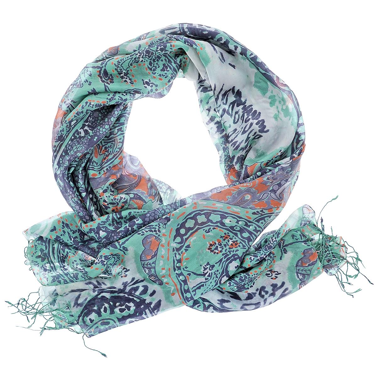 ПалантинS-PAISLEY.ANIMAL/GOLDПалантин выполнен из натурального шелка. Рисунок этого женского палантина рождает образ таинственного Востока. В нем звучат мотивы персидских тканей, одежд и ковров, овеянных для европейцев особой тонкой магией. Доминирует в композиции элемент бута - легендарный индо-персидский символ в виде слезы, восточного огурца, стилизованной пальмовой ветви. Этот символ - поистине золотой сон европейской моды.