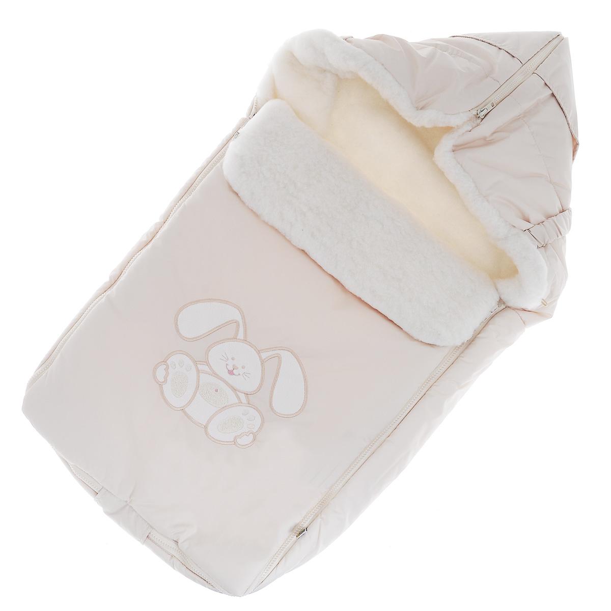Конверт для новорожденного Зайчик. 969969/1Теплый конверт для новорожденного Сонный Гномик Зайчик идеально подойдет для ребенка в холодное время года. Конверт изготовлен из водоотталкивающей и ветрозащитной ткани Dewspo (100% полиэстер) на подкладке из шерсти с добавлением полиэстера. В качестве утеплителя используется шелтер (100% полиэстер). Шелтер (Shelter) - утеплитель нового поколения с тонкими волокнами. Его более мягкие ячейки лучше удерживают воздух, эффективнее сохраняя тепло. Более частые связи между волокнами делают утеплитель прочным и позволяют сохранить его свойства даже после многократных стирок. Утеплитель шелтер максимально защищает от холода и не стесняет движений. Верхняя часть конверта может использоваться в качестве капюшона в ветреную или холодную погоду и надеваться на спинку коляски благодаря эластичным ремешкам и вставке. С помощью застежки-молнии верх принимает вид треугольного капюшона. Пластиковая застежка-молния по бокам и нижнему краю изделия помогает с легкостью доставать малыша из...