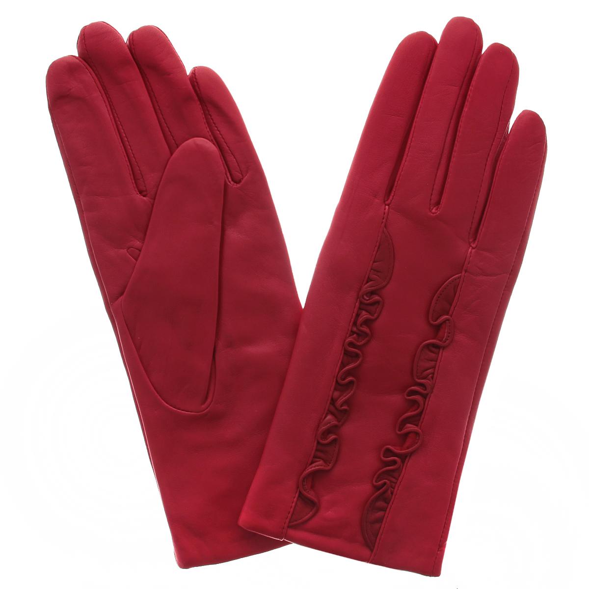 Перчатки женские. 9070/259070/25Стильные женские перчатки Flioraj заинтригуют любого мужчину и заставят завидовать любую женщину. Они не только защитят ваши руки от холода, но и станут великолепным украшением. Модель изготовлена из мягкой натуральной кожи с подкладкой из шерсти. На лицевой стороне изделие оформлено декоративными оборками. Перчатки являются неотъемлемой принадлежностью одежды, вместе с этим аксессуаром вы обретаете женственность и элегантность. Они станут завершающим и подчеркивающим элементом вашего неповторимого стиля и индивидуальности.