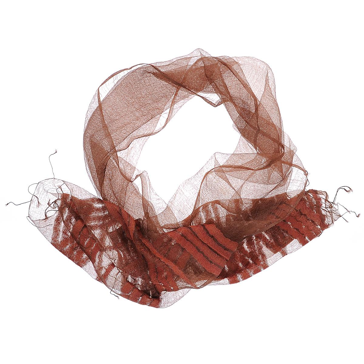 Шарф761125Восхитительный газовый шарф Ethnica выполнен из шелка. Ткань прекрасно драпируется и дарит чувство комфорта. Эта модель, оформленная полосками и тонкими кисточками по краям, добавит индивидуальности вашему образу. Если вы любите фантазировать и не страшитесь экспериментов с собственным имиджем - попробуйте превратить шарф в головную повязку или легкий аксессуар для дамской сумочки. Правильно подобранный шарф делает образ женщины завершенным! Такой аксессуар достойно дополнит ваш гардероб.