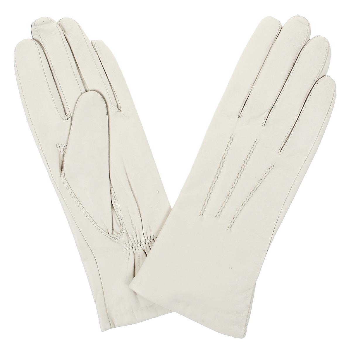 ПерчаткиW804/10Стильные женские перчатки Baggini не только защитят ваши руки от холода, но и станут великолепным украшением. Перчатки выполнены из чрезвычайно мягкой и приятной на ощупь натуральной кожи, а их подкладка - из натуральной шерсти. На внутренней стороне под большим пальцем перчатки присборены на резинку. Лицевая сторона оформлена выпуклыми декоративными швами. В настоящее время перчатки являются неотъемлемой принадлежностью одежды, вместе с этим аксессуаром вы обретаете женственность и элегантность. Перчатки станут завершающим и подчеркивающим элементом вашего стиля и неповторимости.
