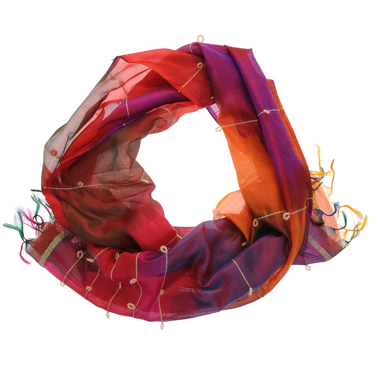 Шарф женский. 457350н457350нЯркий женский шарф Ethnica подчеркнет ваш неповторимый образ. Он выполнен из 100% шелка и оформлен переливающимися цветами и полосками с петельками. По краям шарф декорирован тонкими кисточками. Этот модный аксессуар женского гардероба гармонично дополнит образ современной женщины, следящей за своим имиджем и стремящейся всегда оставаться стильной и элегантной.