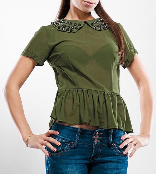 Блуза. YH3206YFYH3206YFСтильная блуза Glamorous, выполненная из высококачественного материала, очень мягкая на ощупь, не раздражает даже самую нежную и чувствительную кожу и хорошо вентилируется. Модель с короткими рукавами и отложным воротничком расшитым металлическими шипами сбоку застегивается на потайную застежку-молнию. В такой блузе вы безусловно привлечете восхищенные взгляды окружающих и подчеркнет ваш безупречный стиль.