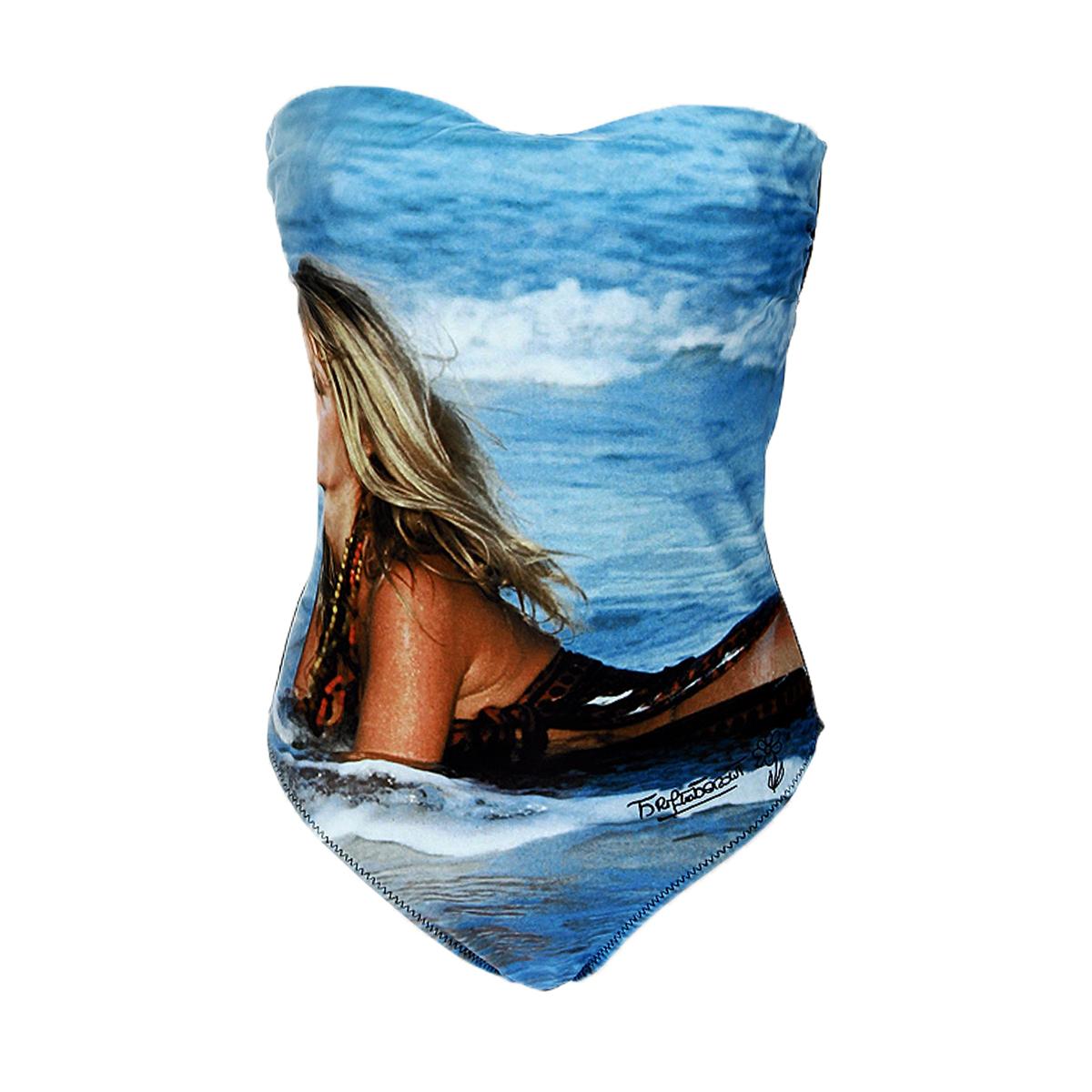 Купальник слитный42201Стильный женский купальник-монокини Brigitte Bardot, изготовленный из нейлона с небольшим добавлением эластана, позволяет коже дышать, быстро сохнет и сохраняет первоначальный вид и форму даже при длительном использовании. Модель сзади застегивается на металлическую защелку, имеет скрытые чашечки с косточками, что позволяет хорошо поддерживать грудь, а также съемные бретельки, которые завязываются на шее. Такой купальник поможет вам легко создать очень женственный и незабываемый пляжный образ.