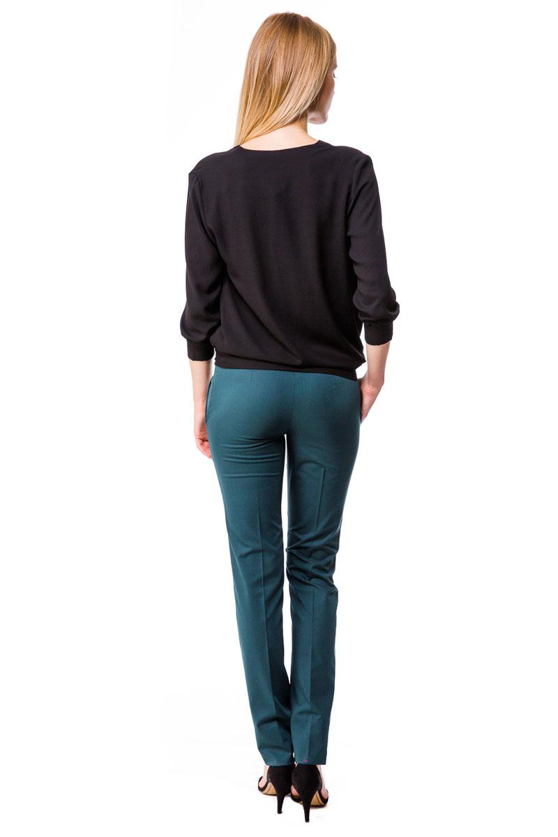 Блузка женская. 51205120Великолепная легкая блузка Mondigo с эффектом запаха выполнена из высококачественного материала - микрофибры. Модель свободного кроя с V-образным вырезом горловины и рукавами 3/4. Рукава дополнены отложными манжетами. Изделие отлично впишется в ваш гардероб и позволит создать множество стильных образов.